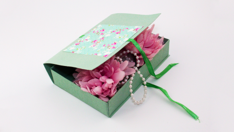 DIY Decorative Cardboard Gift Box